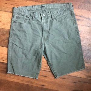 Old Navy green men shorts